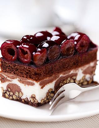 俄罗斯提拉米苏蛋糕进口巧克力樱桃奶油夹心千层蛋糕